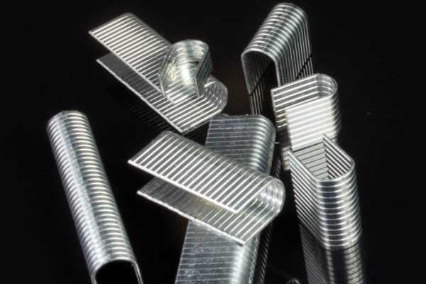 collanti-per-punti-metallici-e-banda-metallica